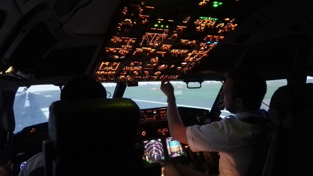 Kabina simulátor Boeing 737-800