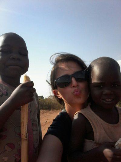 Jak reagovaly děti na nové oblečení a hračky? – Češka v Ugandě: 3. díl